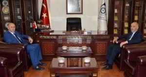 Vali Azizoğlu'dan Başkan Yücelik'e tebrik ziyareti