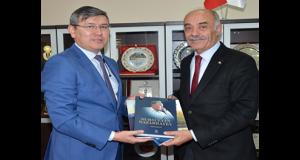 KAZAKİSTAN BÜYÜKELÇİSİ SAPARBEKULY'DEN ETSO'YA ZİYARET